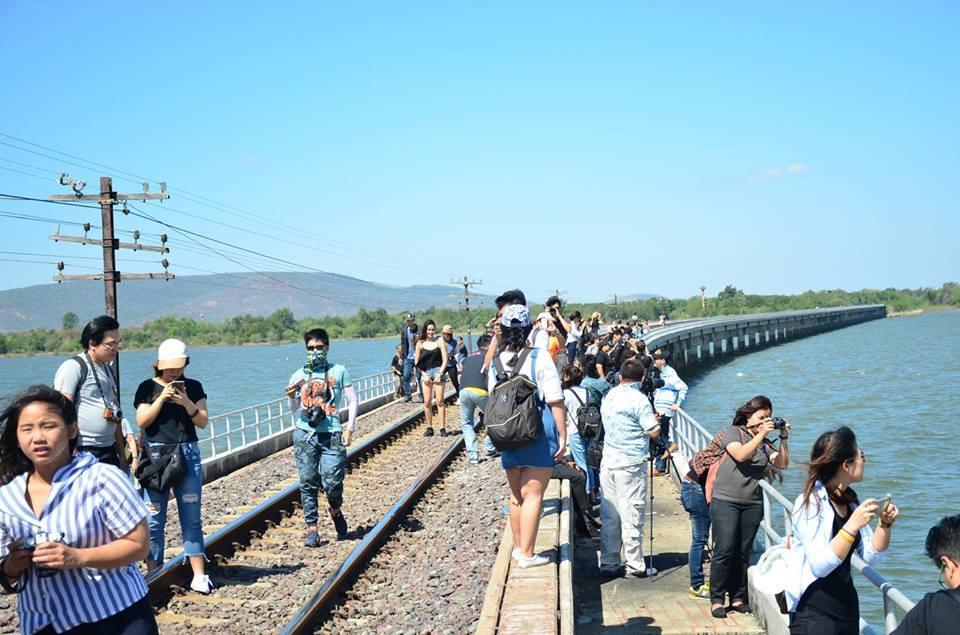 train-Pa-Sak-Chonlasit-Dam-12-