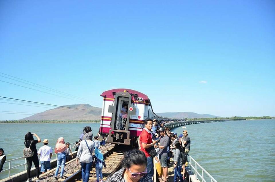 train-Pa-Sak-Chonlasit-Dam-14-
