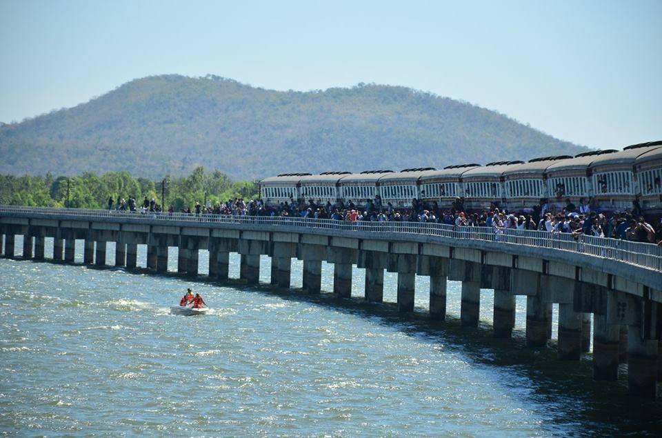 train-Pa-Sak-Chonlasit-Dam-8-