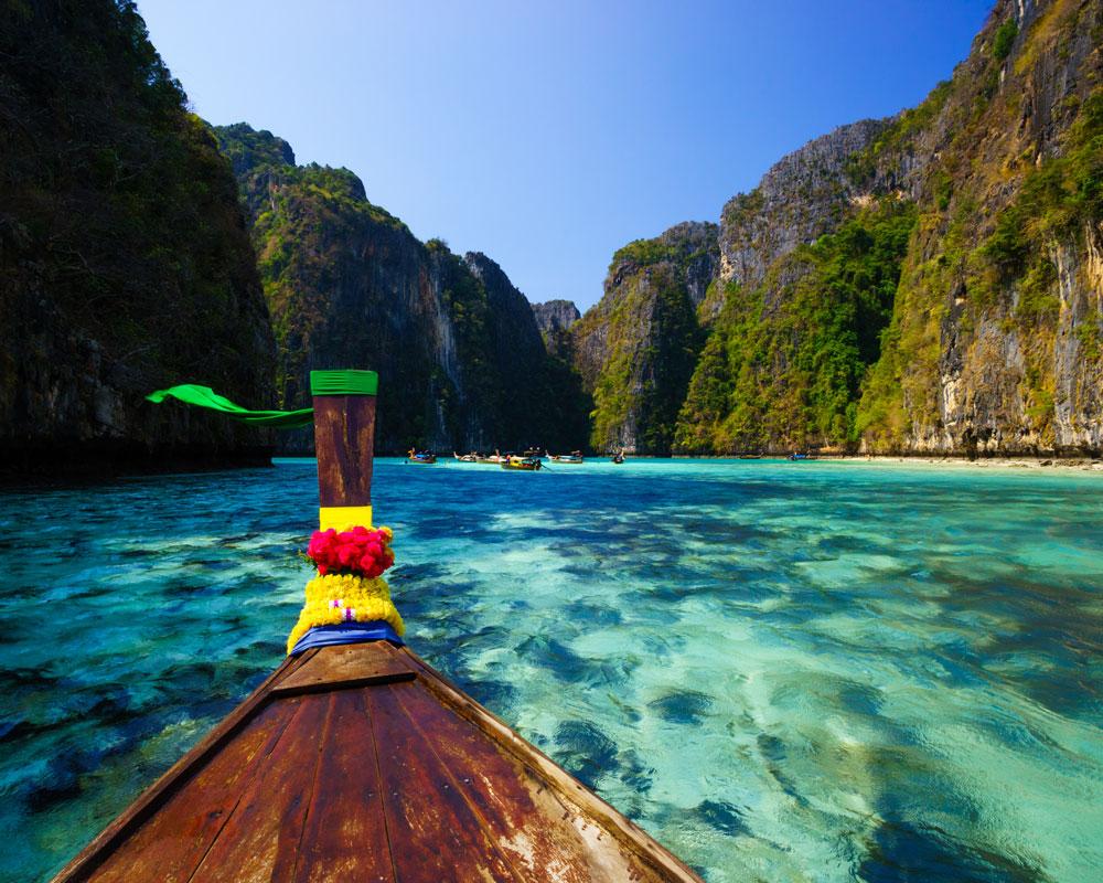 05_Phi-Phi-Island