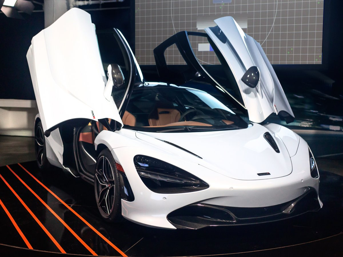 5-mclarens-second-generation-super-series-is-a-sight-to-behold-the-new-mclaren-720s-comes-with-a-40-liter-twin-turbocharged-v8-engine-that-produces-710-hp